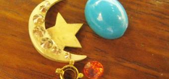 月と星をイメージした真珠のペンダント