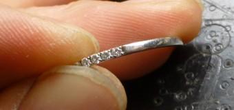 小粒ダイヤでも合わせる事が可能です。